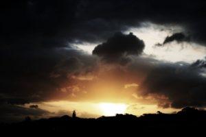 slunce-mraky-male